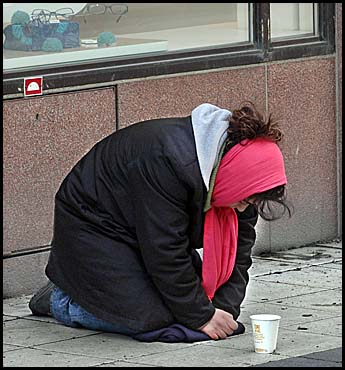 Street begging in Sweden - what to do about it?
